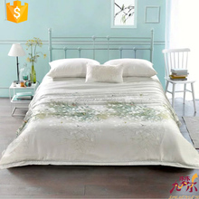 King Size Luxurious Home Textile Stain Jacquard Silk Quilt