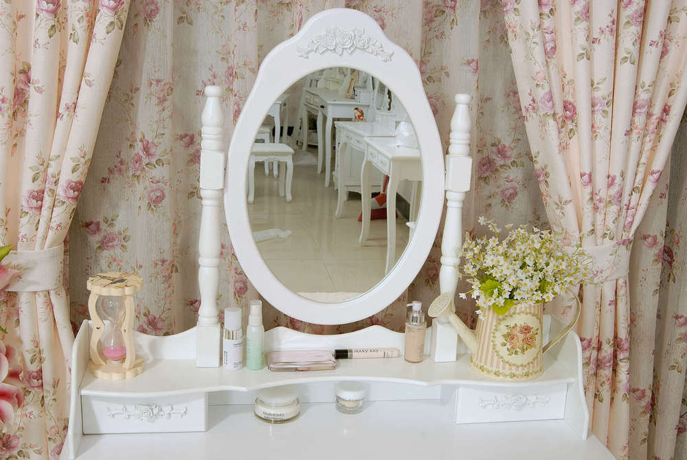 Make up Mirrors with Stool Dressing Table