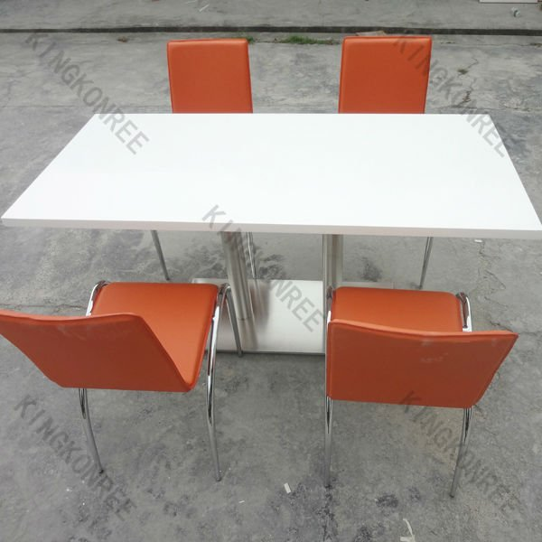 Seamless Acrylic Table and Chair