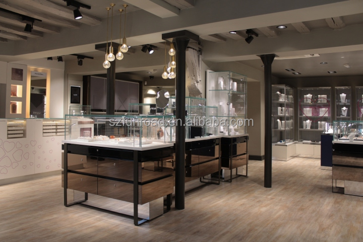 Fantastic interior designs for famous jewelry brand retail store decoration