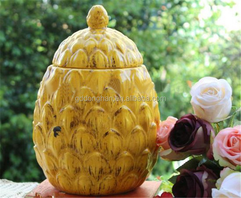 chaozhou wholesale new products simulation ceramic pineapple shaped jar