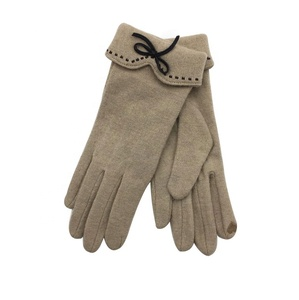 Dotted Embroidery Leather Bow Autumn Winter Warm Points Ladies Gloves