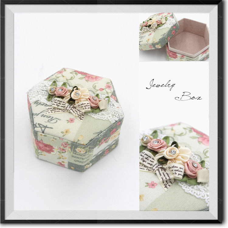 Cute Design Customized Top Quality Wedding Door Gift Box