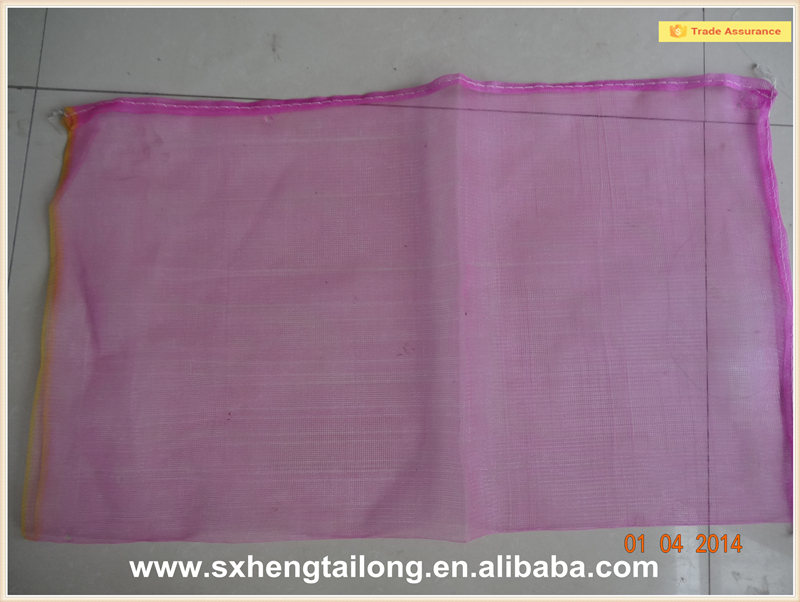 Polyethylene mesh bag for packaging