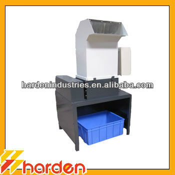 petit broyeur de bouteille machine de recyclage filtre huile plastique crasant des machines. Black Bedroom Furniture Sets. Home Design Ideas