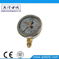 Double pointer screw type pressure gauge