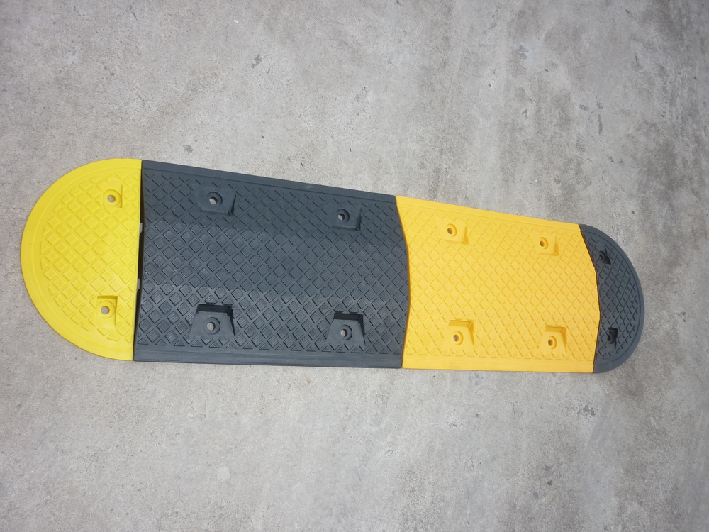 High strength portable plastic speed bump