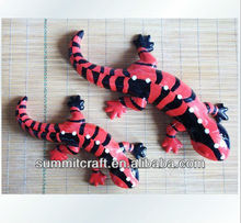 Ceramic fashion new design red&black lizards statue garden decoration