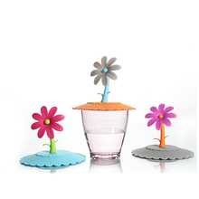 Cut Flowers Shape Silicone Cup Cover Sealed Suction Lid Cap Coffee Cup Flip Top bottle Lids Grip