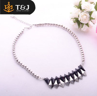 Fashion New Style Double Black And White Arrow Shape Pendant Necklace Alloy Beads Chain Pendant Necklace