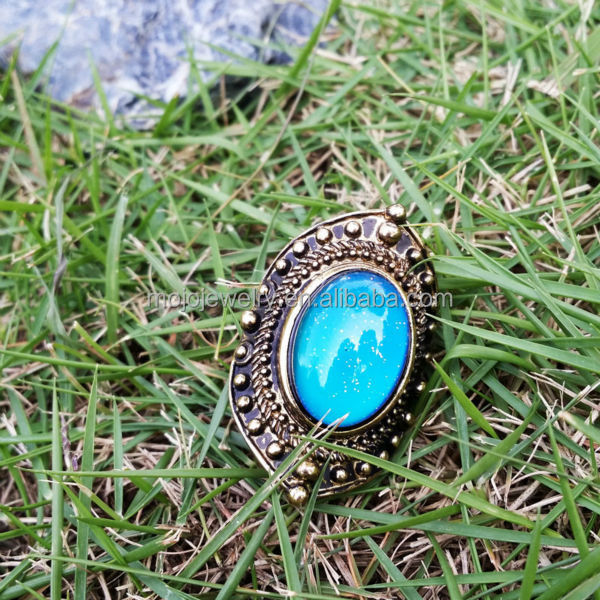 Oval Mood Ring: If you're in the mood for something straight out of the 70's then this is the perfect ring. This groovy silver oval mood ring will change color, from black to amber to blue, with your emotions. Comes with a chart to help you decode your color.
