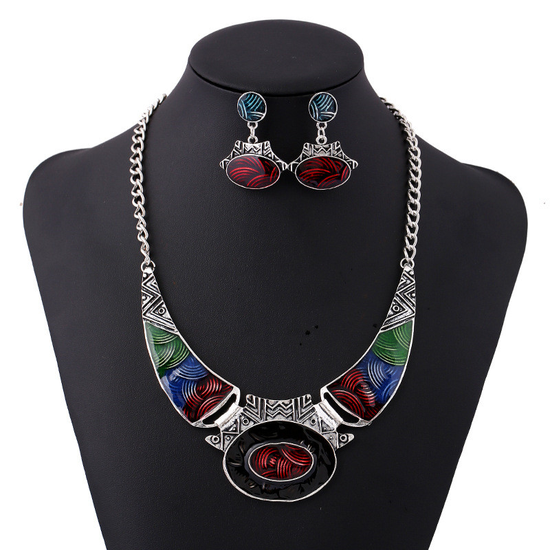 Hot Sale Changing Color Carved Pattern Alloy Oval Pendant Necklaces Retro Silver Plated Oil Drip Turkish Jewelry <strong>Sets</strong> For Women