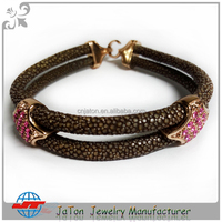 2016 Fashion Jewelry Handmade Design 100% Real Stingray Leather Bracelet Popular Men Bangle with Clasp