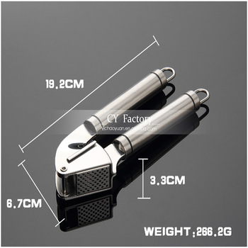 Factory direct 18/10 Stainless steel 304 garlic press with silicon peeler tube and cleaing brush set