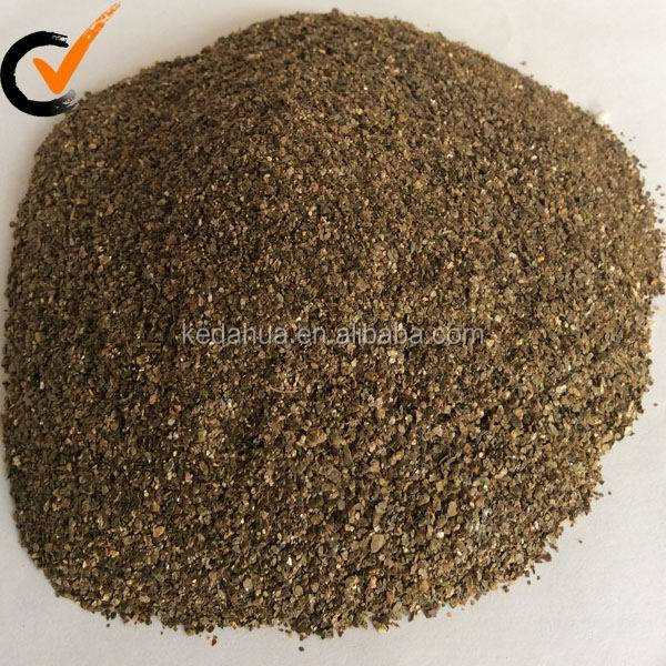 Golden crude vermiculite