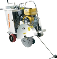 Semi-self-propelled concrete saw wet type Robine engine powered 14-28 inch blade