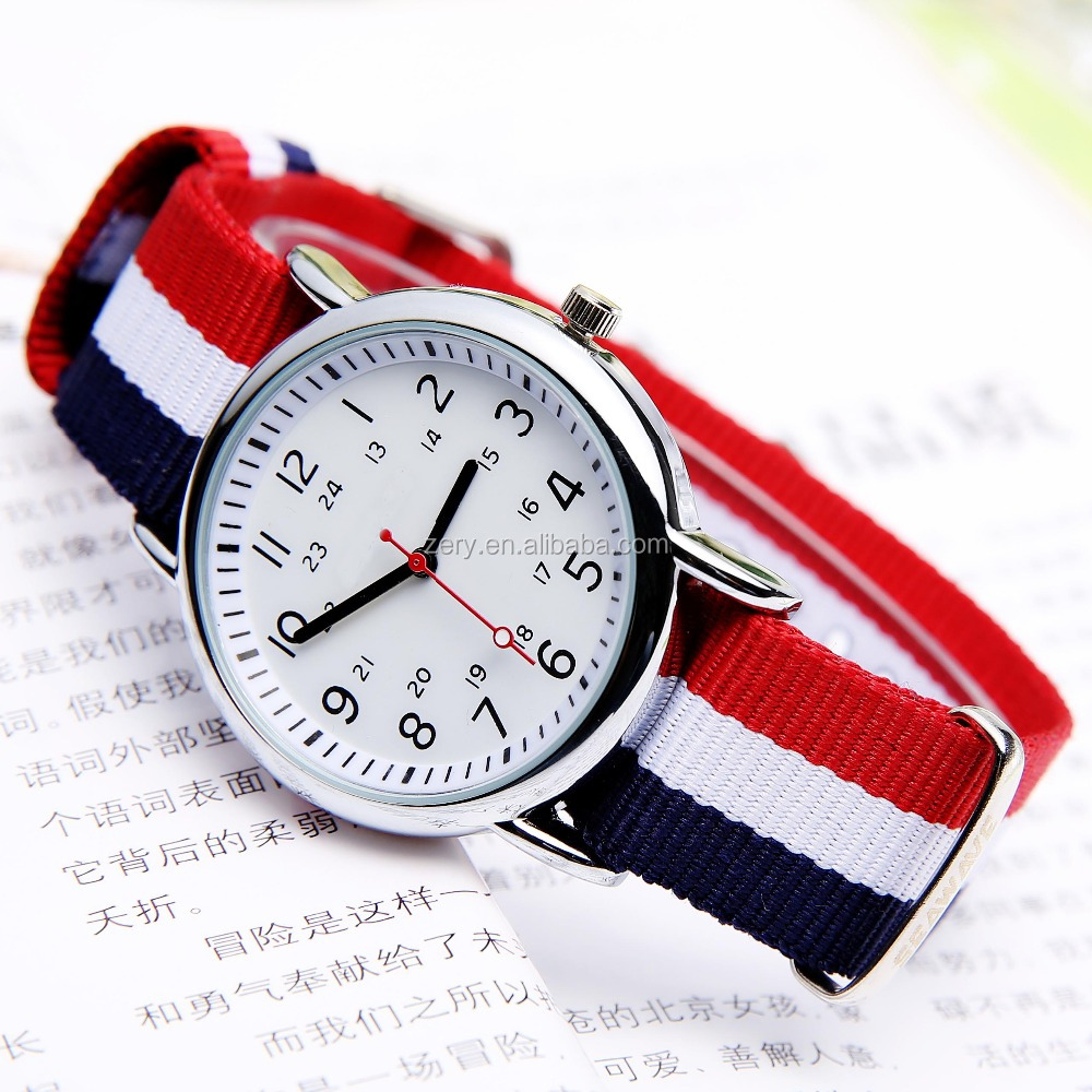 R0569 Well-Designed Dial High Quality Fashion Quartz Watch