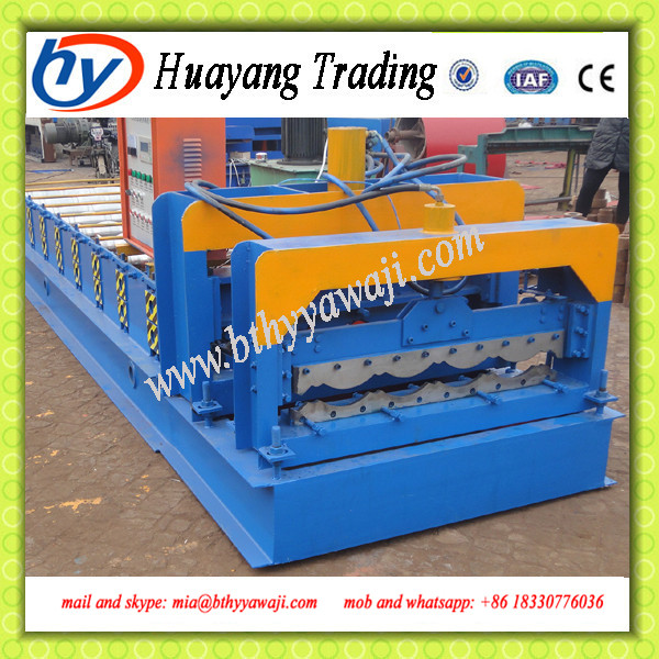 Plastic cold forming machine