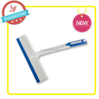 Short handle plastic household water squeeze tools