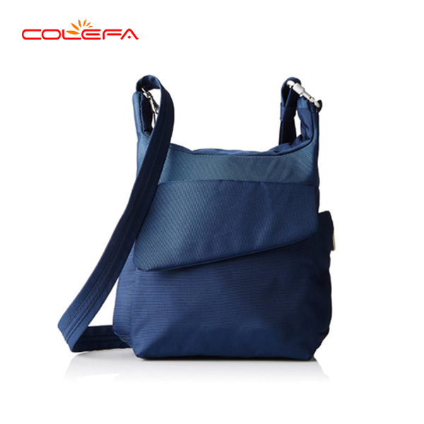 900 D Polyester triangle messenger bag men with wide straps