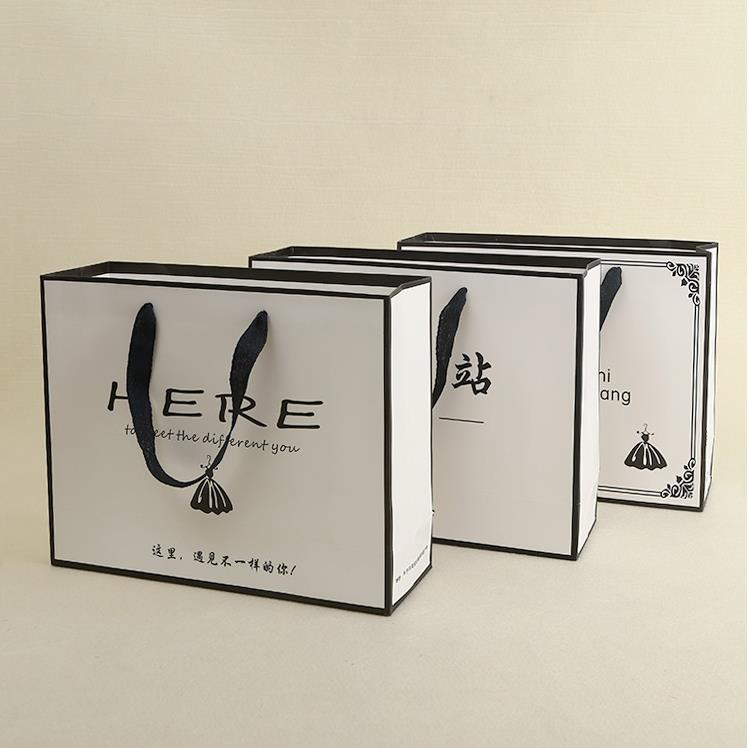 New design paper packing bags from china