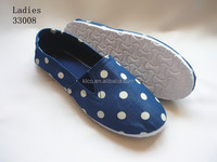 2015 new design lady navy blue dotted flat canvas shoes