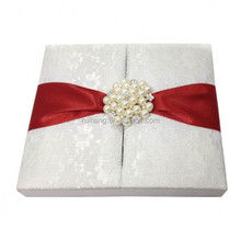 Luxurious silk folio wedding invitations with white gate lid flower lace wedding invitation box&red ribbons&pearl decorations