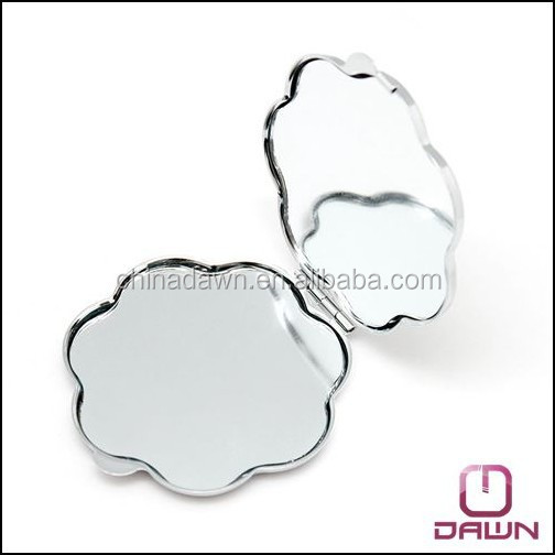 metal flower shaped pocket mirror with epoxy doming factory CD-MG081