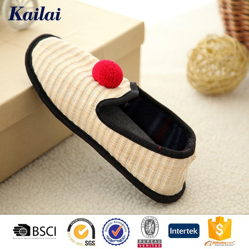 cheap and fashion leisure shoe in clown design