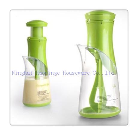Salad dressing mixer server