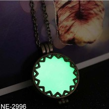Pretty Fashion Jewelry Alloy Luminous Light Emitting Hollow Women Accessories Pendant Necklace