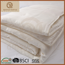 Chinese Healthy Winter Soft Silk Duvet with High Quality for Sleeper