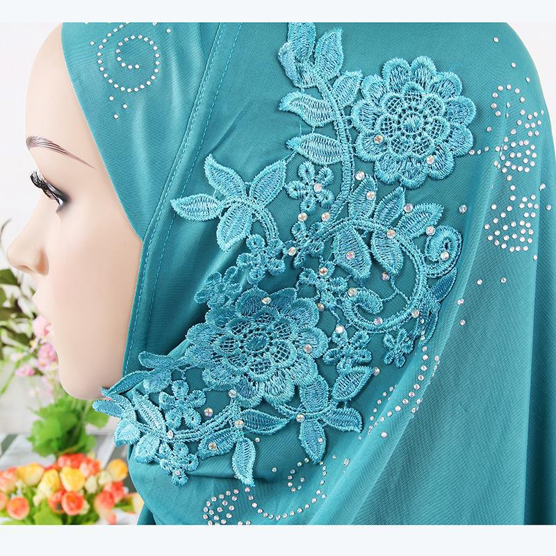Custom Muslim lady fashion patch cloth cover lace <strong>cotton</strong> women fancy hijab scarf wholesale