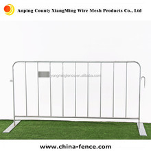 temporary fence / road barrier / crowd control barricade