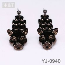 2016 Beautiful pave diamond dangle earring supplier ear cropping clamp black earrings