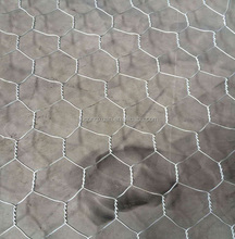 Factory high quality hexagonal wire netting / hexagonal chicken coop wire mesh fence