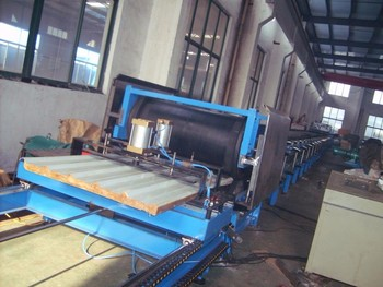 PU and PIR sandwich panel roll making machine Insulated roof panels manufacturing machine