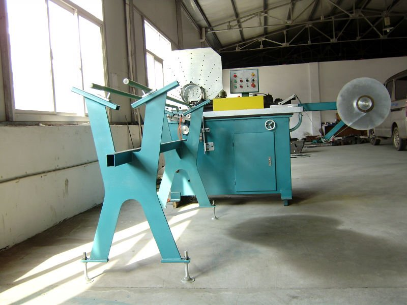 Aluminum spiral tube machine