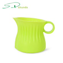 High Quality Heat Resistance Non- slip Cute Shape Silicone Baby Cup