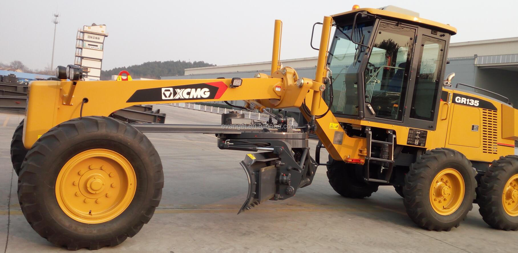XCMG 135hp  GR135 motor grader with middle front ripper