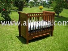 Kamalik Heirloom Cot