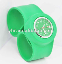 2015 hot sale silicone slap watch
