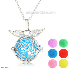 Wholesale Aromatherapy Necklace Filigree Locket Pendant Diffuser Angel Wings Ball Essential Oil Diffuser Necklace