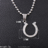 Latest design simple horseshoe shaped stainless steel pendant necklace