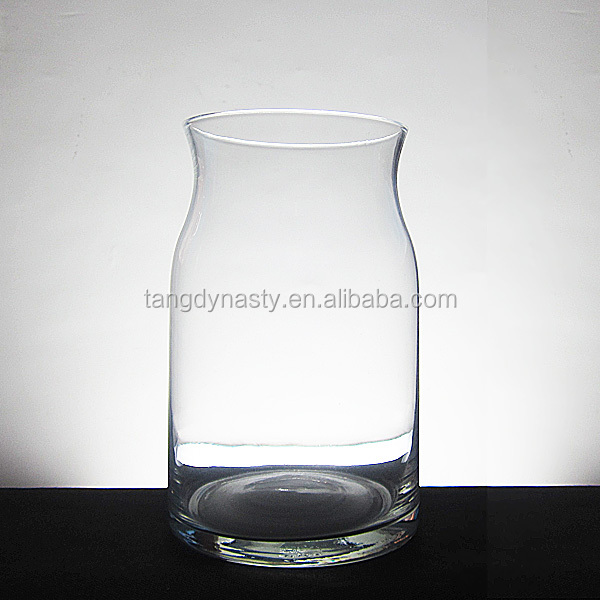 Hand blown clear glass vase for decoration