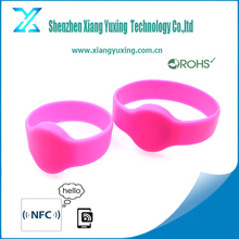 OEM / ODM available 13.56mhz / 860-960mhz rfid wrist tag , uhf wrist bands