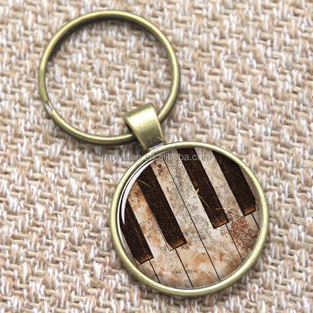 Piano keyring Keyboard keys with black and white keyring glass Photo Musician Jewelry keyring