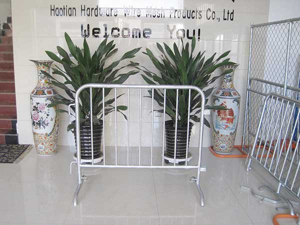 Customized Size Powder Coated Crowd Control Barricade