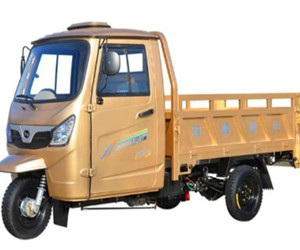 Semi Closed Carry Cargo Tricycle Motorized Truck With Driving Room Big Driver Cabin Heavy Loading Passenger Gasoline Tricycle