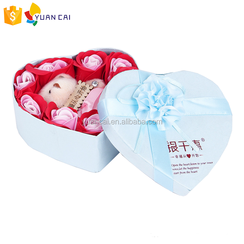 2018 Waterproof heart shape carton hardcover flower gift boxes for packing with lid